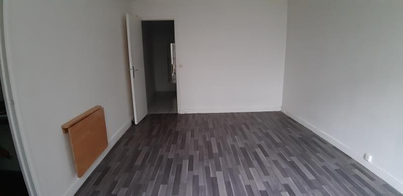 Alquiler  apartamento Paris 18ème 860€ CC - Fotografía 5