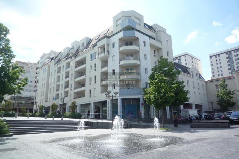Sale apartment Suresnes 400000€ - Picture 1