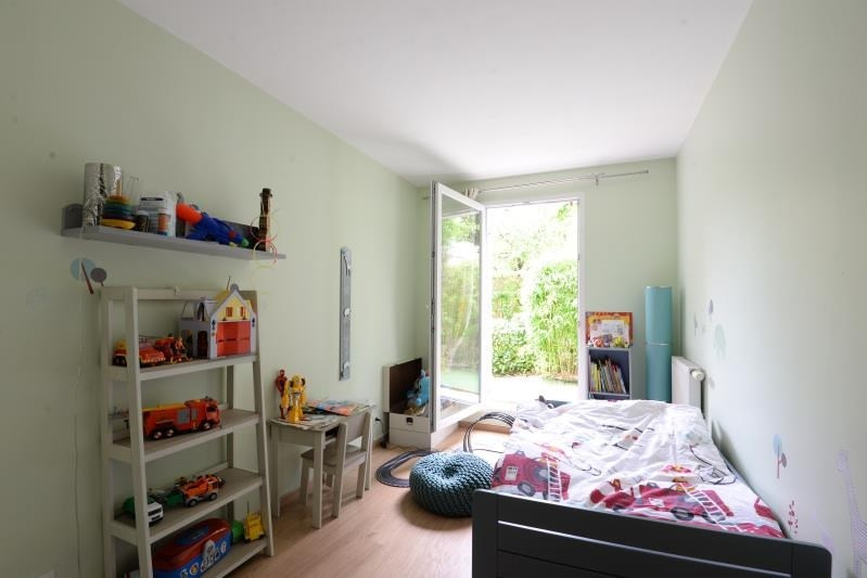 Rental apartment Sainte genevieve des bois 960€ CC - Picture 4