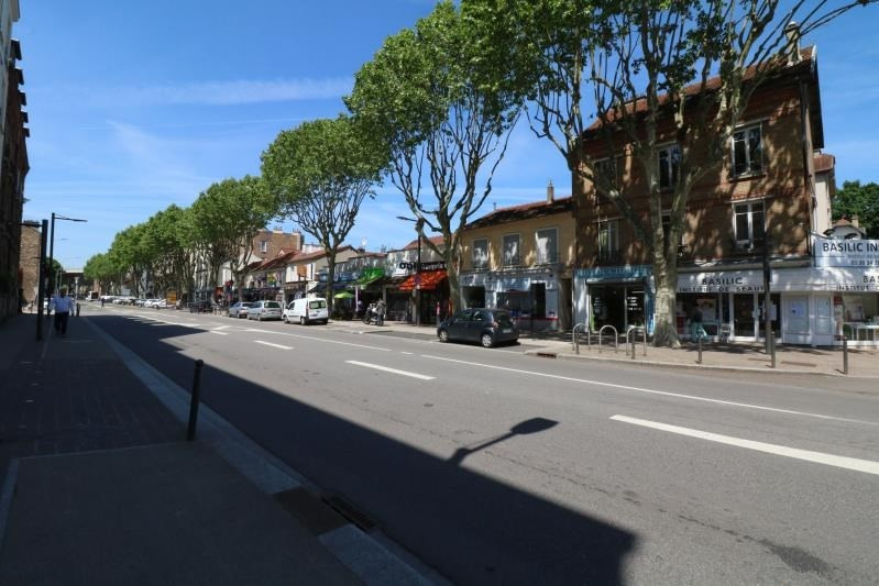 Location local commercial Viroflay 1 590€ HT/HC - Photo 3