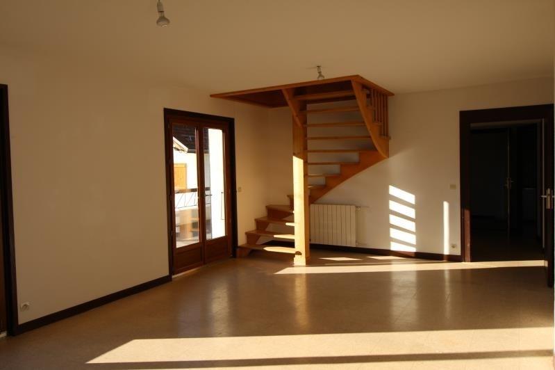 Rental apartment Passy 1115€ CC - Picture 2