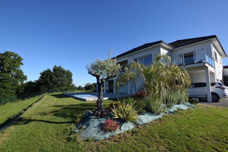 Deluxe sale house / villa Saint-castin 707000€ - Picture 1
