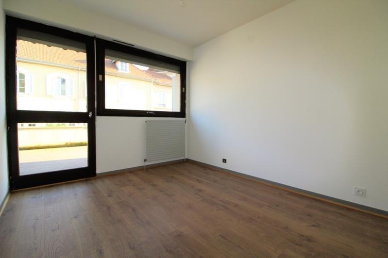 Locação apartamento Voiron 938€ CC - Fotografia 6