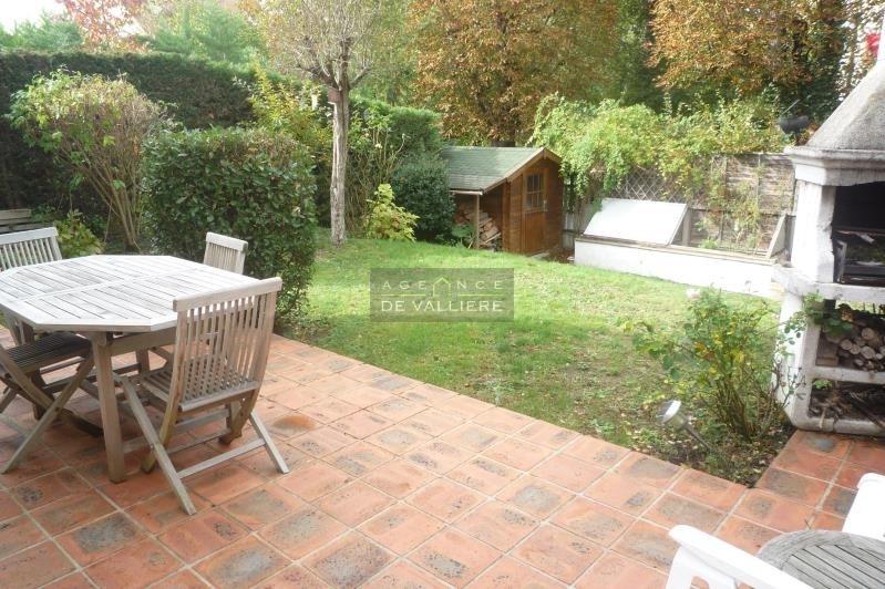 Deluxe sale house / villa Rueil malmaison 1250000€ - Picture 2