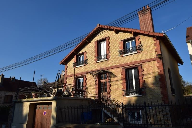 Sale house / villa Feucherolles 675 000€ - Picture 1