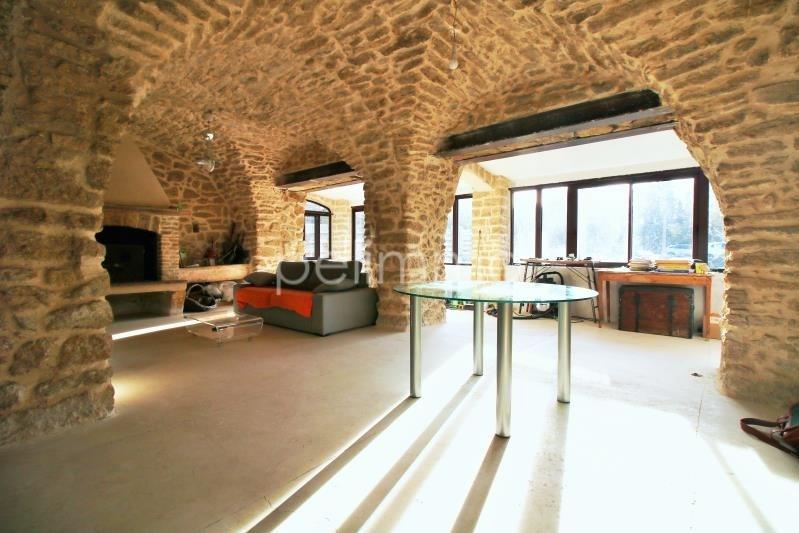 Sale house / villa Cornillon confoux 545000€ - Picture 1