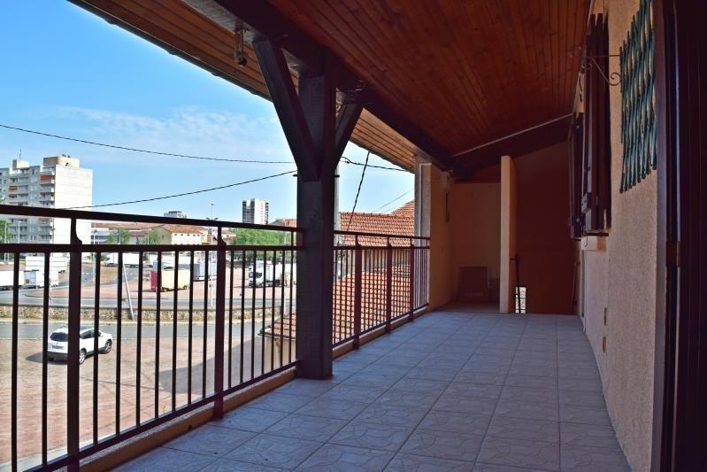 Sale apartment Roanne 110000€ - Picture 2