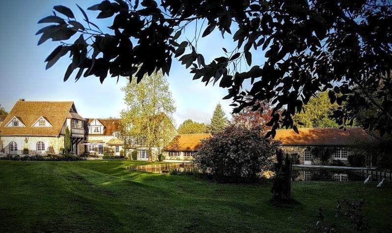 Deluxe sale house / villa Montfort l amaury 2650000€ - Picture 1