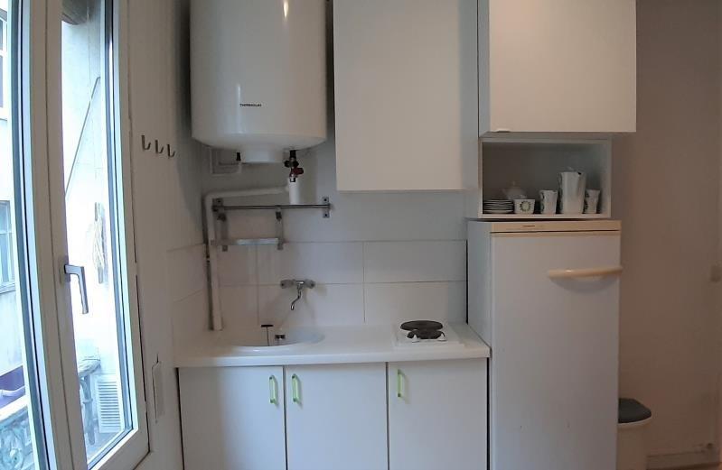 Alquiler  apartamento Paris 18ème 880€ CC - Fotografía 3