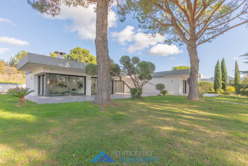 Location maison / villa Gémenos 7 000€ CC - Photo 1