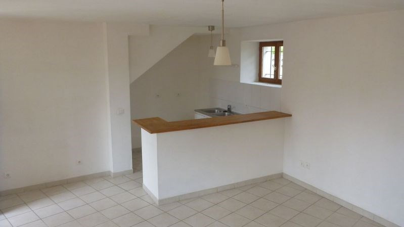Rental apartment Ballancourt 690€ CC - Picture 2