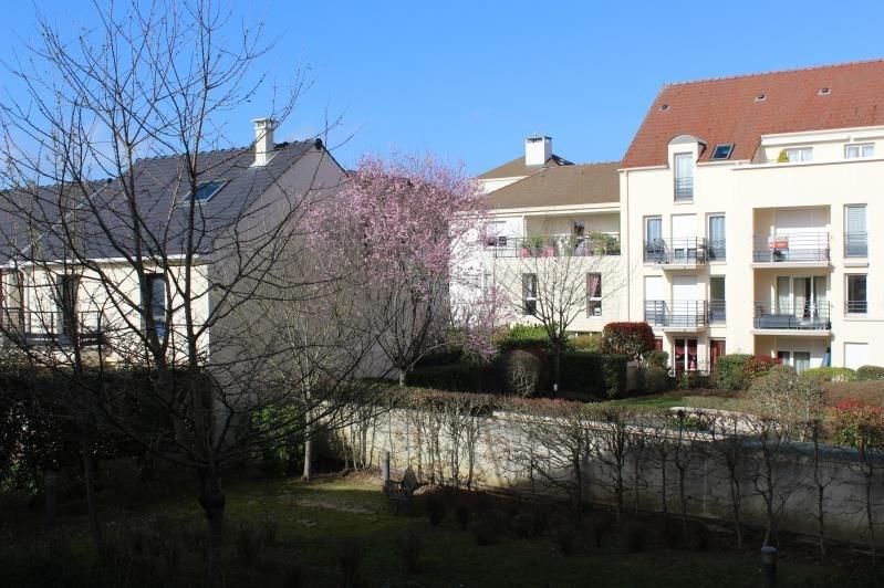 Rental apartment Montigny le bretonneux 1140€ CC - Picture 1