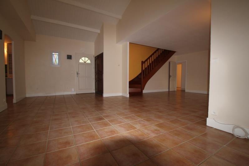 Location maison / villa L eguille 950€ CC - Photo 2
