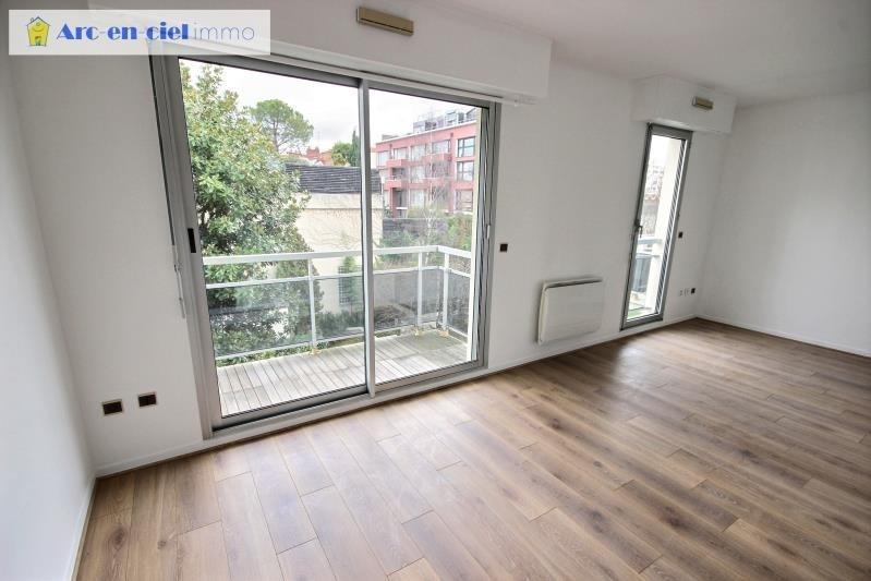 Verhuren  appartement Montrouge 1100€ CC - Foto 2