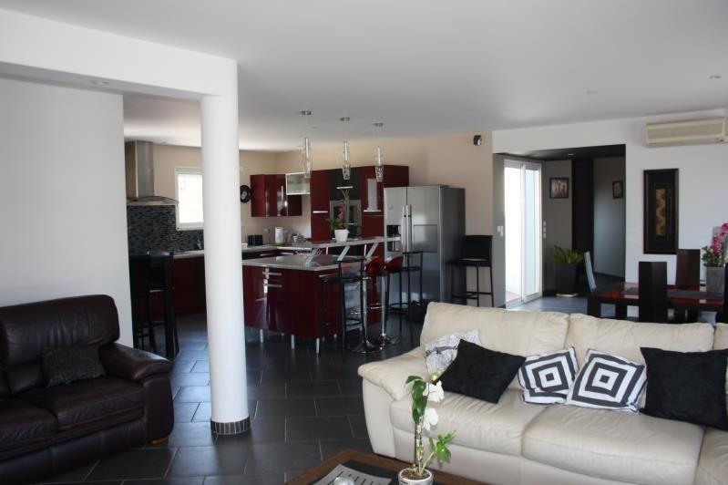 Sale house / villa Bias 340000€ - Picture 2