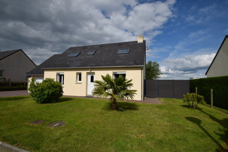 Sale house / villa Moyon 155000€ - Picture 1