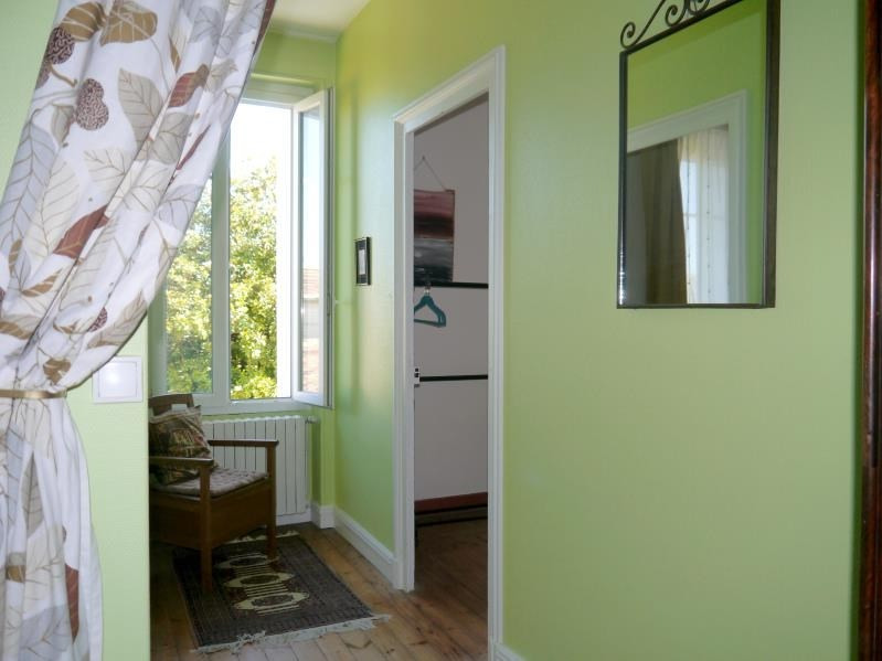 Sale house / villa Gemozac 261000€ - Picture 9