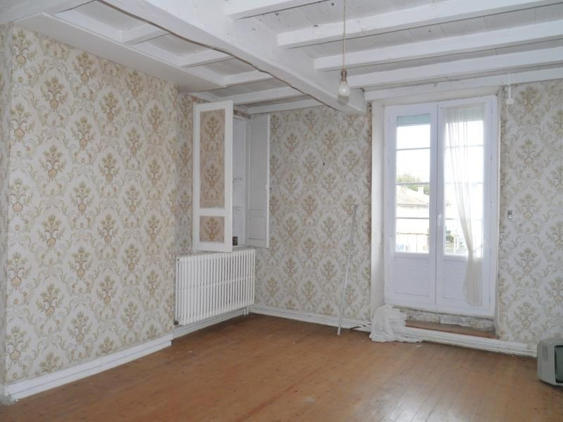 Vente maison / villa Gemozac 96500€ - Photo 5