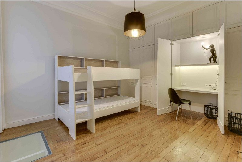 Location appartement Paris 9ème 6 500€ CC - Photo 18