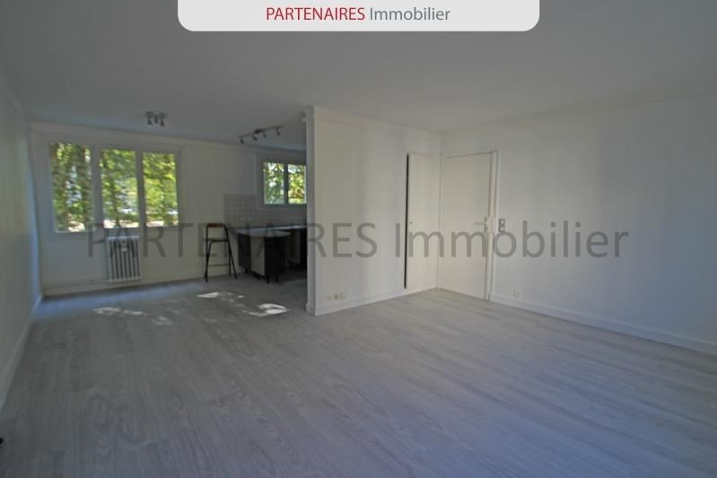Sale apartment Le chesnay 220 000€ - Picture 1