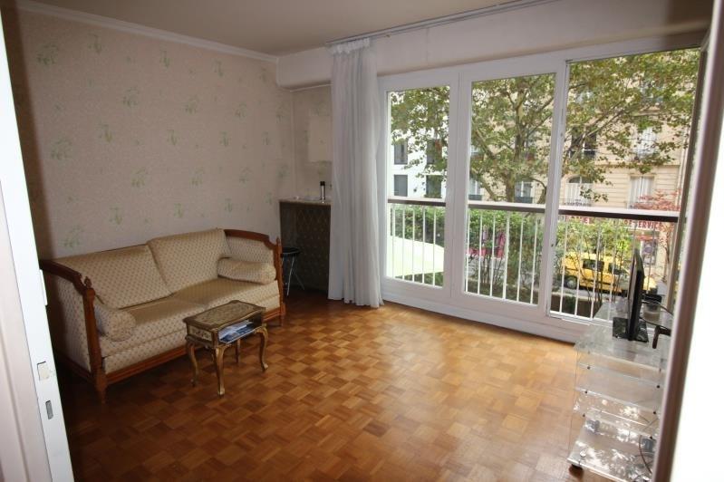 Sale apartment Paris 18ème 423000€ - Picture 2