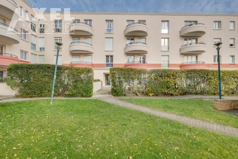 Sale apartment Plaisir 241500€ - Picture 3