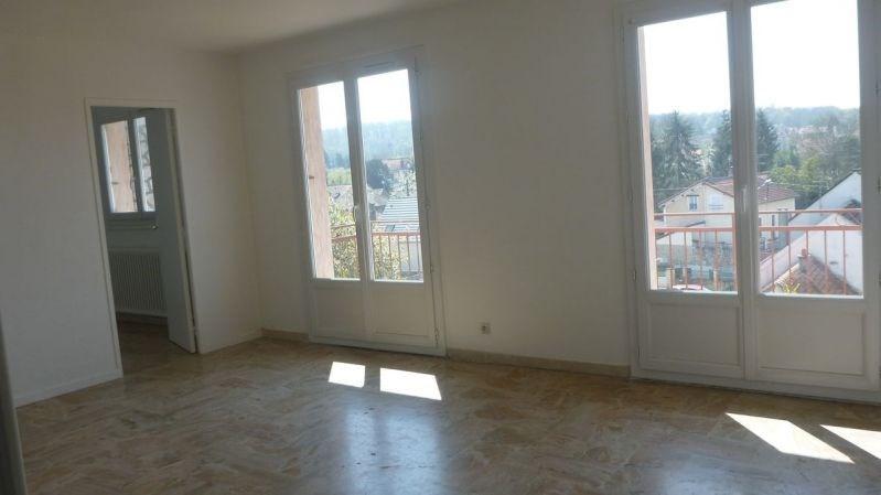 Rental apartment Ballancourt sur essonne 920€ CC - Picture 2