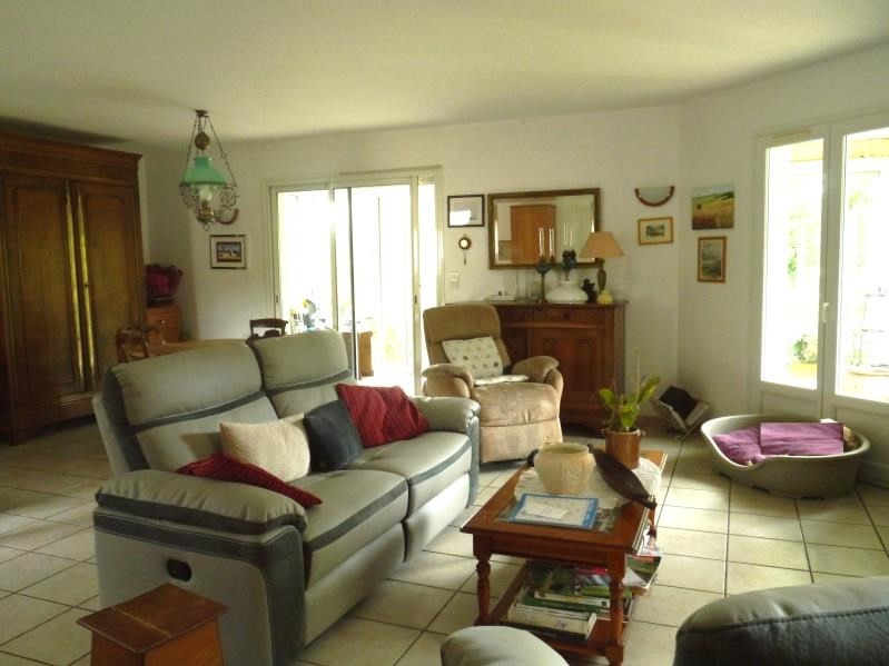 Vente maison / villa Gemozac 250 800€ - Photo 3