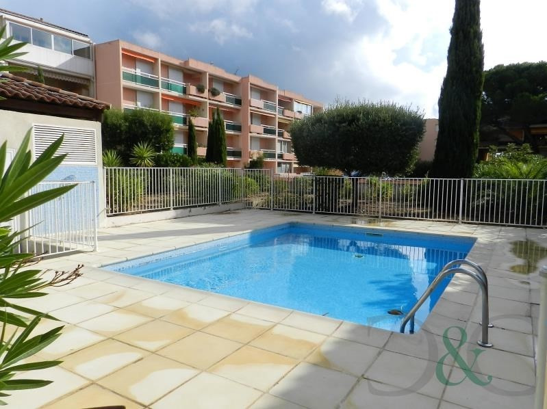 Sale apartment Bormes les mimosas 299 000€ - Picture 1