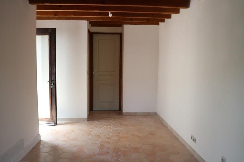 Location maison / villa Hericy 790€ CC - Photo 3