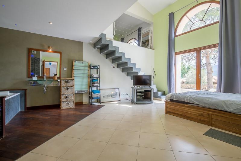 Vente maison / villa Auriol 835000€ - Photo 5