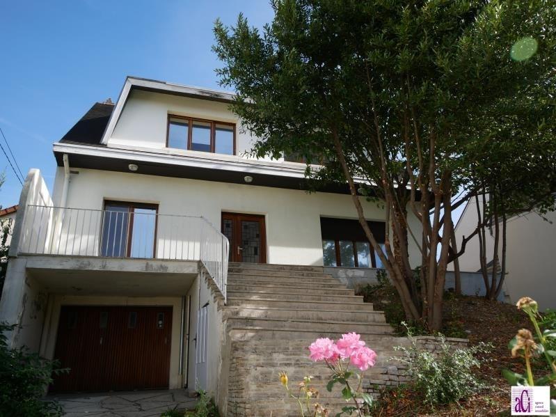 Sale house / villa L hay les roses 740000€ - Picture 1
