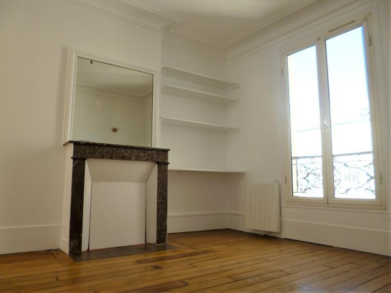 Location appartement Paris 18ème 890€ CC - Photo 2