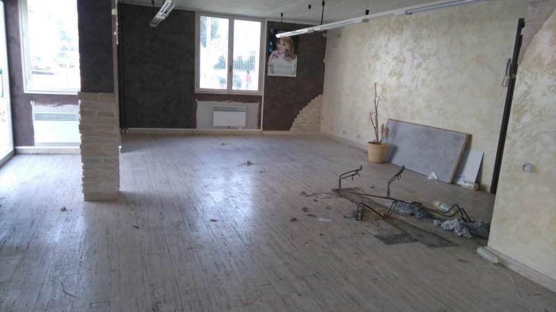 Rental empty room/storage Villars-les-dombes 490€ CC - Picture 3