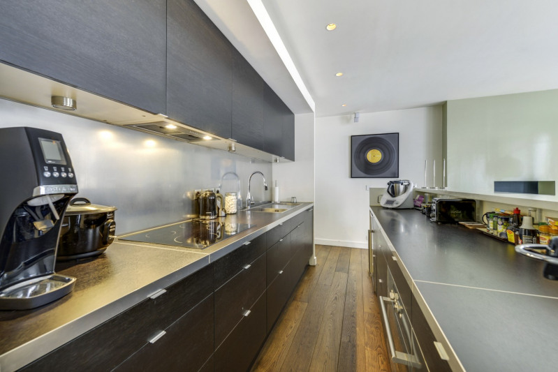 Deluxe sale apartment Paris 10ème 998000€ - Picture 5