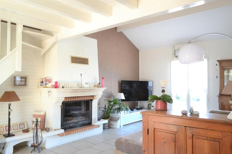 Sale house / villa St just chaleyssin 494000€ - Picture 11