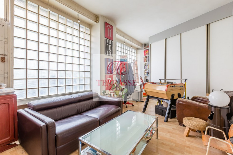 Sale apartment Paris 18ème 310000€ - Picture 1