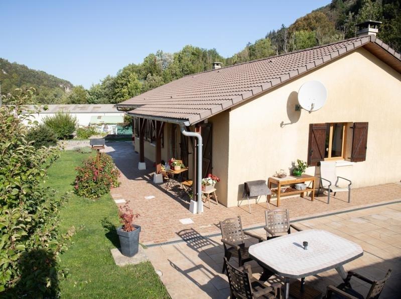 Vente maison / villa Oyonnax 210000€ - Photo 1
