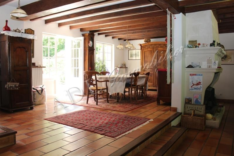 Deluxe sale house / villa Lamorlaye 670000€ - Picture 3