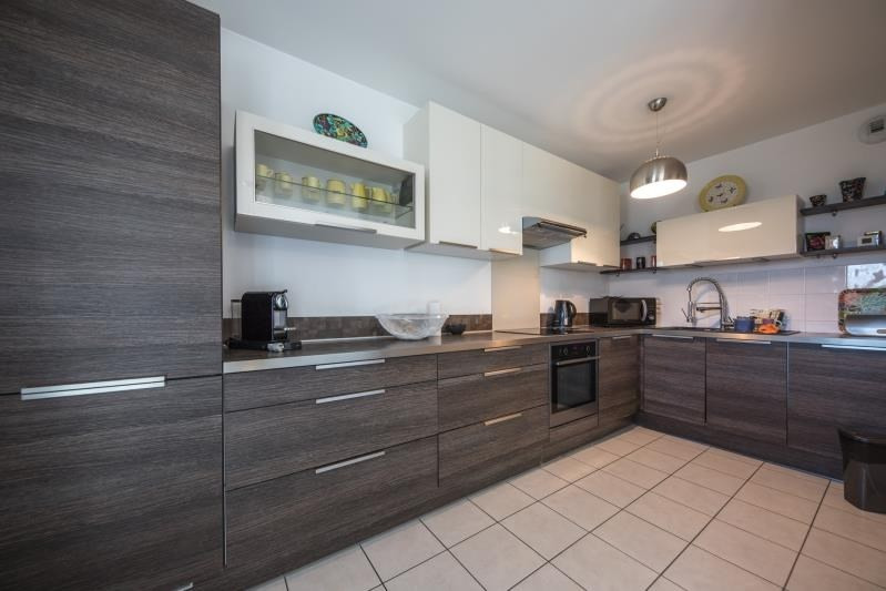Sale apartment Annecy 284850€ - Picture 2