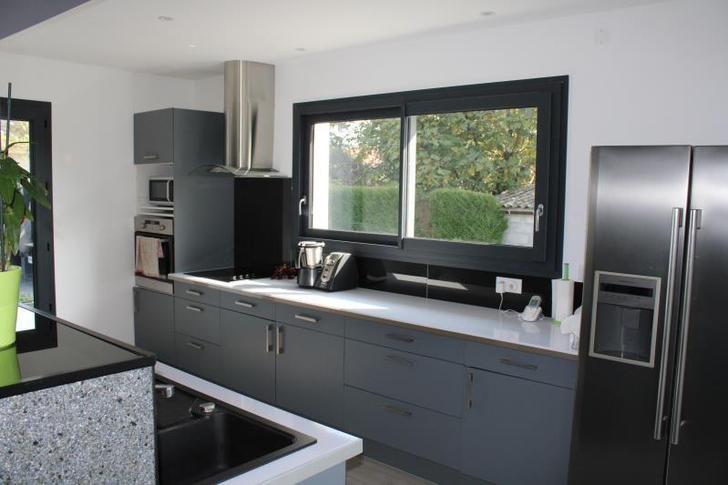 Sale house / villa Bizanos 440110€ - Picture 2