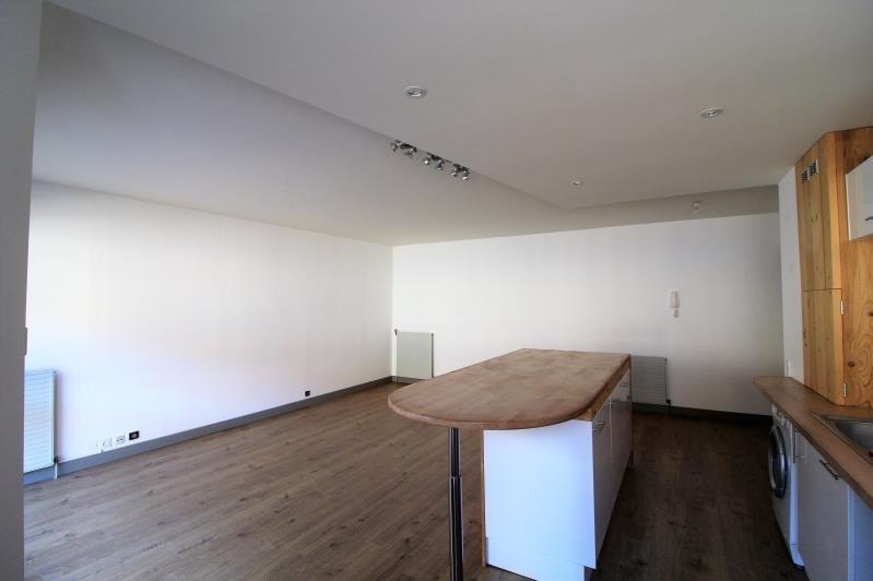 Rental apartment Voiron 890€ CC - Picture 3
