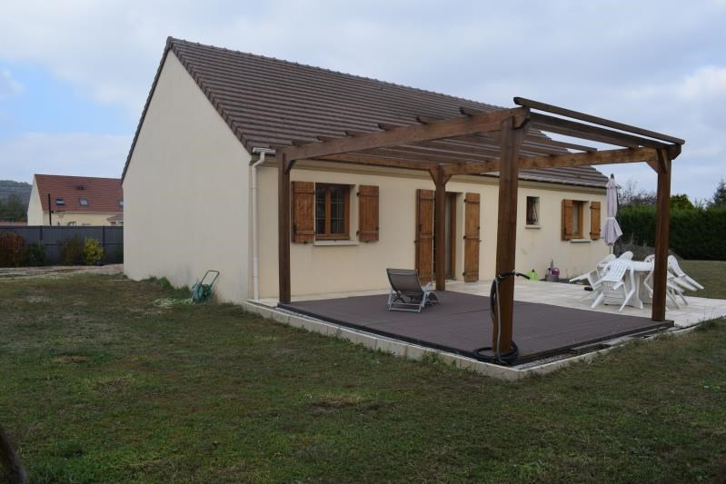 Sale house / villa Freneuse 238 000€ - Picture 1