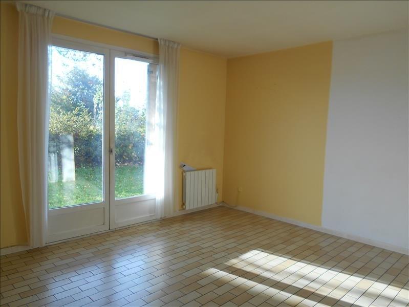 Rental apartment Fauville en caux 525€ CC - Picture 1