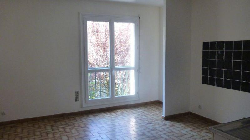 Rental apartment La ferte alais 625€ CC - Picture 2
