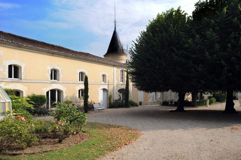 Deluxe sale house / villa Burie 1 575 000€ - Picture 3