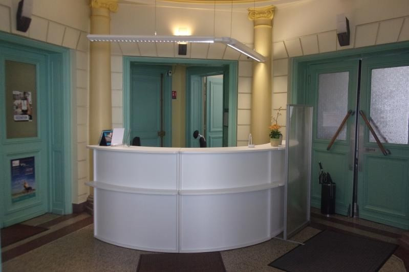 Location local commercial Armentieres 2 083€ HT/HC - Photo 1