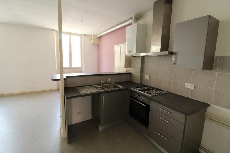 Rental apartment Voiron 651€ CC - Picture 2