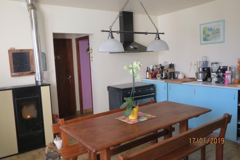 Sale house / villa Champdeniers st denis 157900€ - Picture 3