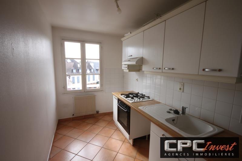 Rental apartment Oloron ste marie 550€ CC - Picture 2